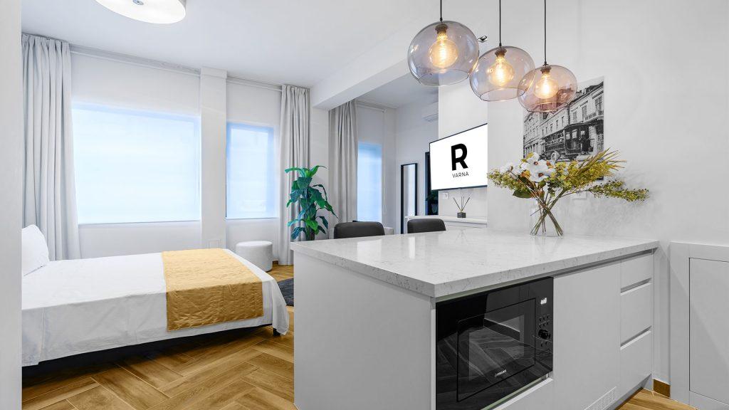 Studio R Deluxe Varna