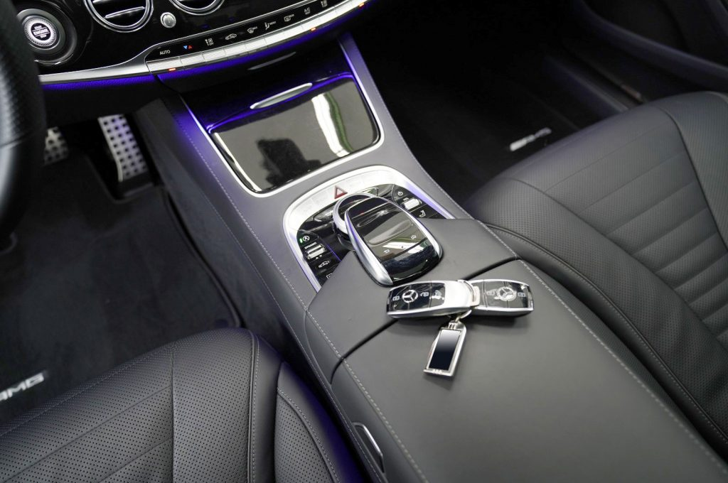 Rent-a-Mercedes-S560-AMG-with-a-driver